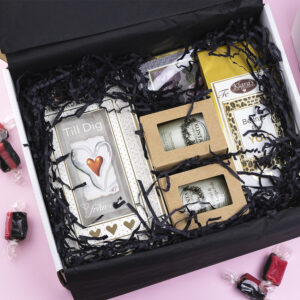 Presentbox Klaras Goda Presenter_Flatlay_1000x1000